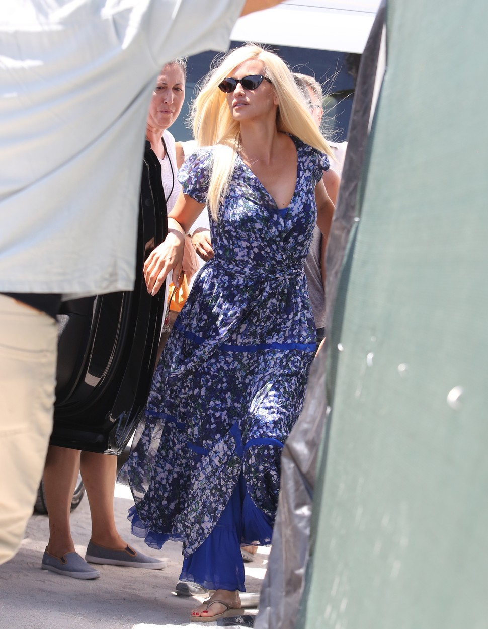 May 16 2017 Penelope Cruz like Donatella Versace in American Crime Story: VERSACE movie set.    Mandatory Credit: OHPIX  Ref: OH_2sol, Image: 332464623, License: Rights-managed, Restrictions: , Model Release: no, Credit line: Profimedia, OHPIX