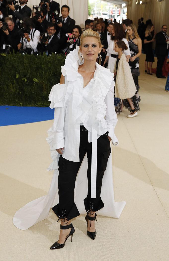 Metropolitan Museum of Art Costume Institute Gala - Rei Kawakubo/Comme des Garcons: Art of the In-Between - Arrivals - New York City, U.S. - 01/05/17 - Actress Claire Danes. REUTERS/Lucas Jackson