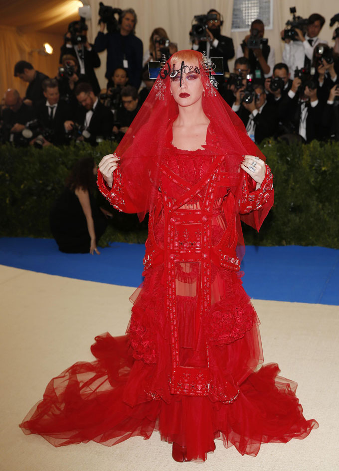 Metropolitan Museum of Art Costume Institute Gala - Rei Kawakubo/Comme des Garcons: Art of the In-Between - Arrivals - New York City, U.S. - 01/05/17 - Katy Perry. REUTERS/Brendan Mcdermid