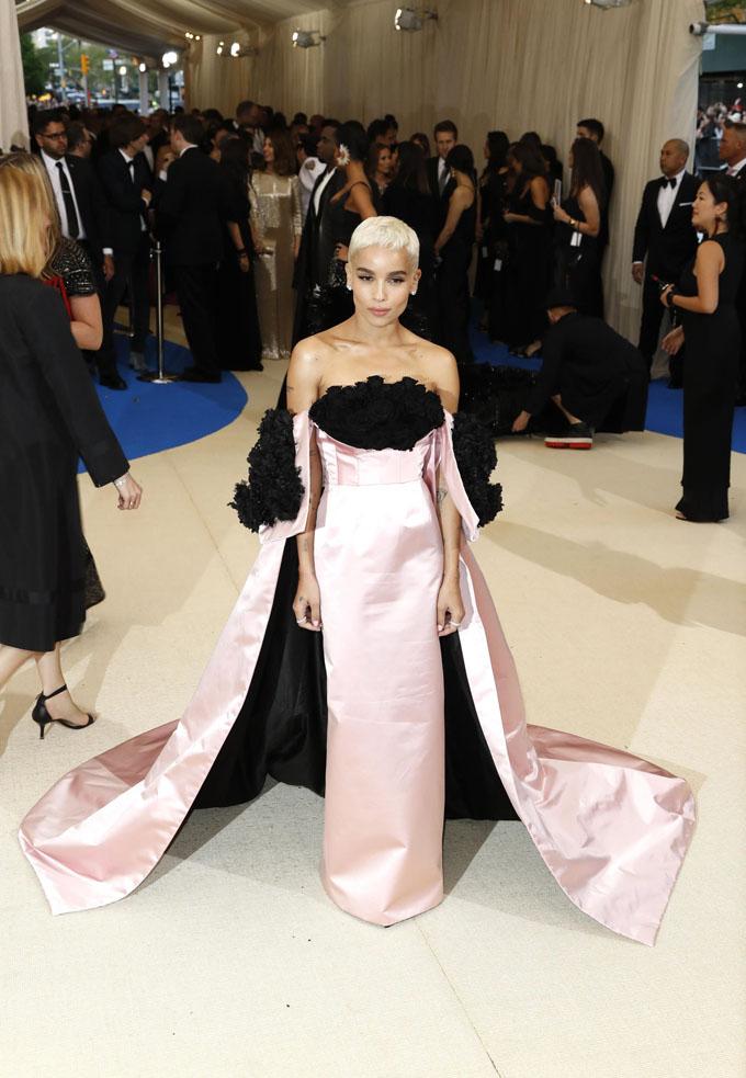 Metropolitan Museum of Art Costume Institute Gala - Rei Kawakubo/Comme des Garcons: Art of the In-Between - Arrivals - New York City, U.S. - 01/05/17 - Actress Zoe Kravitz. REUTERS/Lucas Jackson
