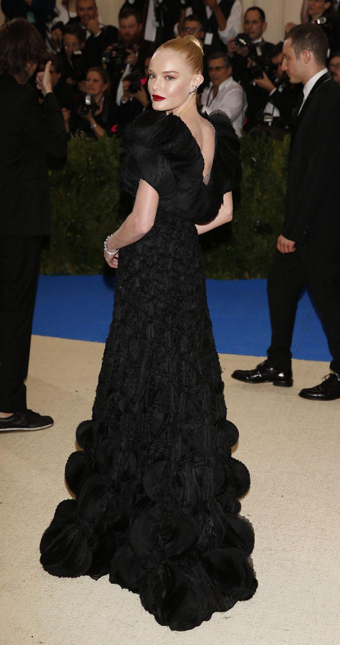 Metropolitan Museum of Art Costume Institute Gala - Rei Kawakubo/Comme des Garcons: Art of the In-Between - Arrivals - New York City, U.S. - 01/05/17 - Kate Bosworth. REUTERS/Carlo Allegri