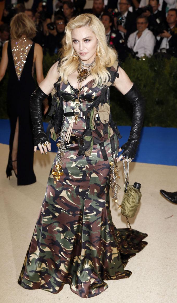 Metropolitan Museum of Art Costume Institute Gala - Rei Kawakubo/Comme des Garcons: Art of the In-Between - Arrivals - New York City, U.S. - 01/05/17 - Madonna. REUTERS/Carlo Allegri