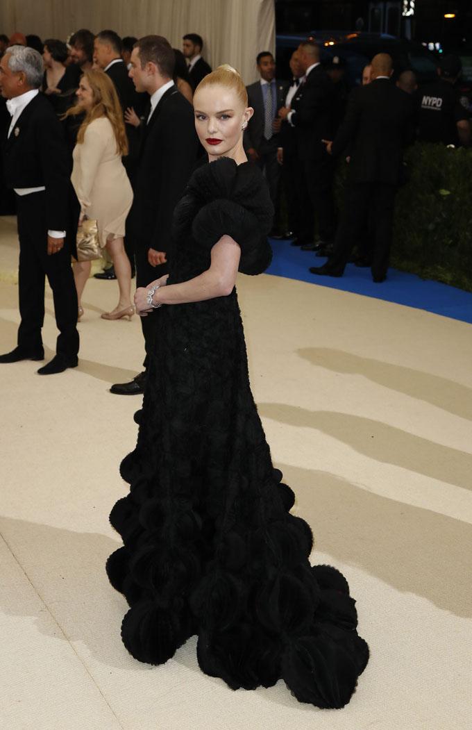 Metropolitan Museum of Art Costume Institute Gala - Rei Kawakubo/Comme des Garcons: Art of the In-Between - Arrivals - New York City, U.S. - 01/05/17 - Actress Kate Bosworth. REUTERS/Lucas Jackson