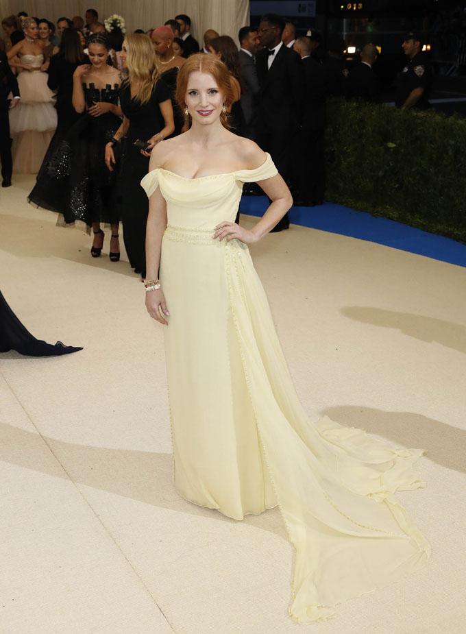 Metropolitan Museum of Art Costume Institute Gala - Rei Kawakubo/Comme des Garcons: Art of the In-Between - Arrivals - New York City, U.S. - 01/05/17 - Actress Jessica Chastain. REUTERS/Lucas Jackson
