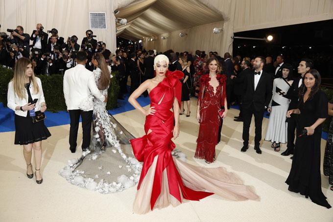 Metropolitan Museum of Art Costume Institute Gala - Rei Kawakubo/Comme des Garcons: Art of the In-Between - Arrivals - New York City, U.S. - 01/05/17 - Singer Rita Ora. REUTERS/Lucas Jackson