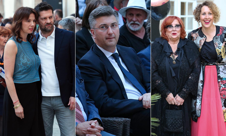 Na fotografiji: Petra i Davor Vugrinec, Andrej Plenković, Dagmar i Tarin Meneghello