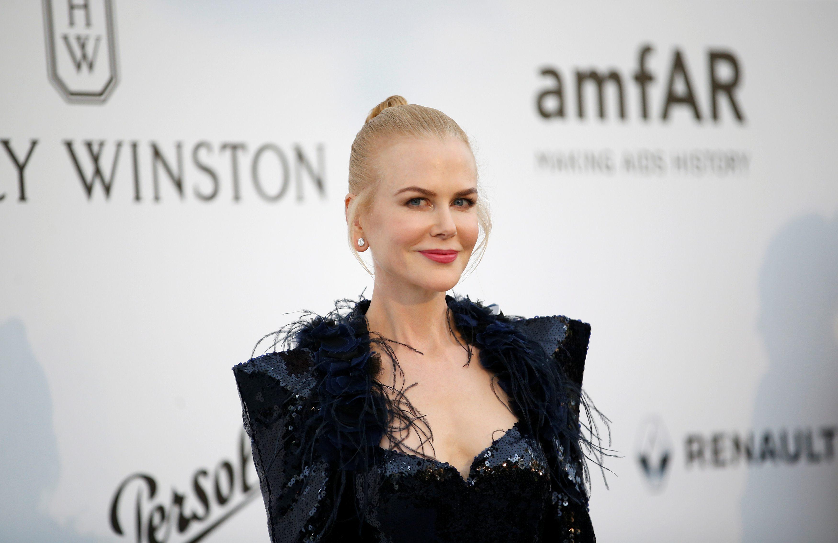 70th Cannes Film Festival Äi The amfAR's Cinema Against AIDS 2017 event Äi Photocall Arrivals - Antibes, France. 25/05/2017. Actress Nicole Kidman poses.       REUTERS/Stephane Mahe