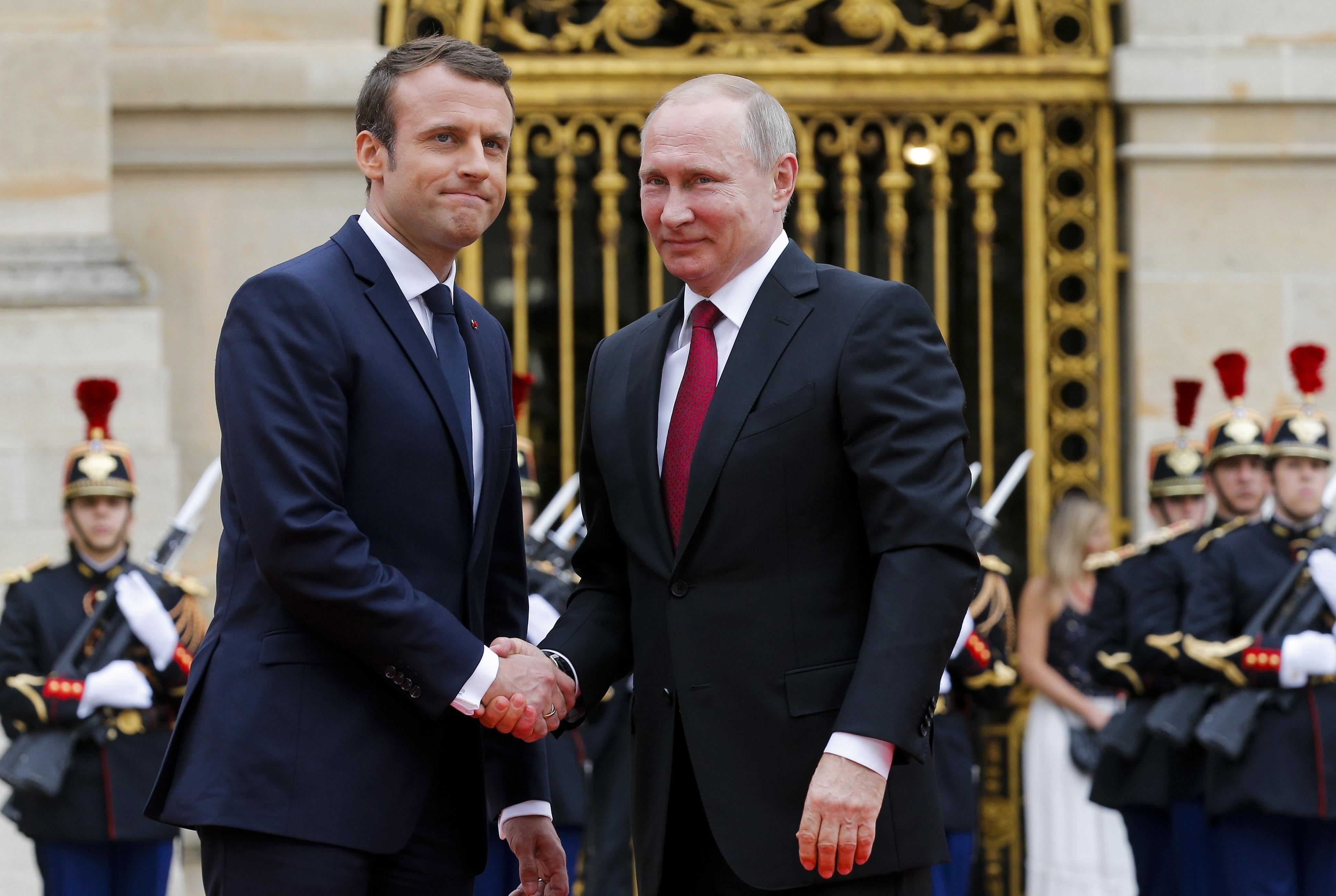 Macron Putin (2)