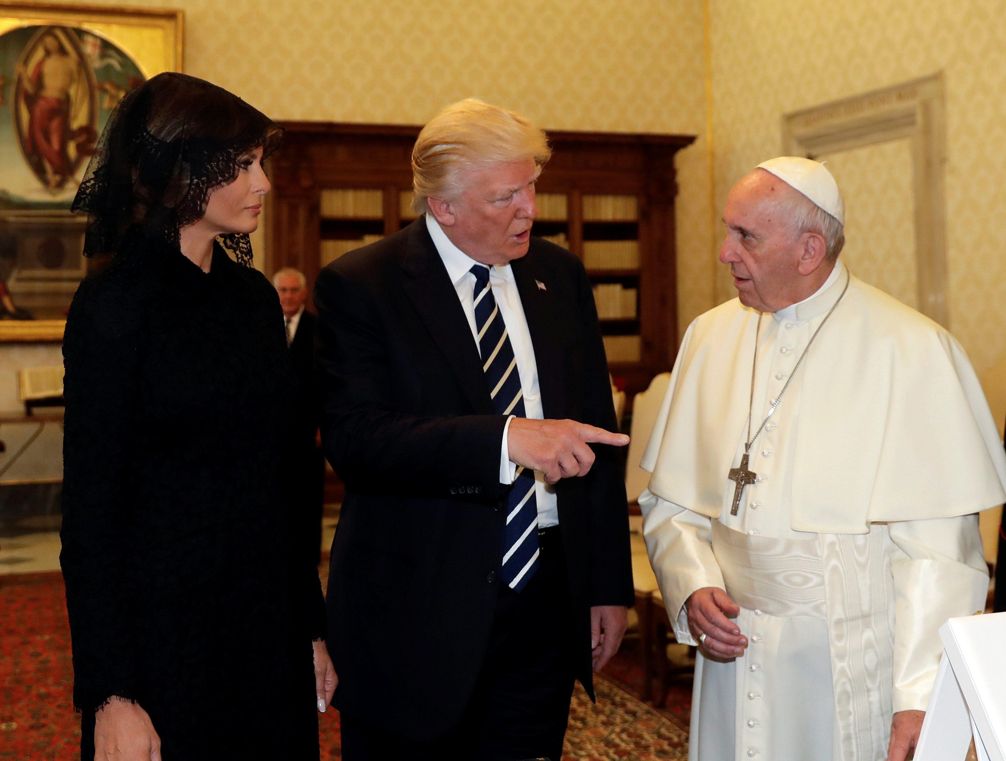 2017-05-24T074952Z_1868581188_RC1BB878C990_RTRMADP_3_USA-TRUMP-POPE
