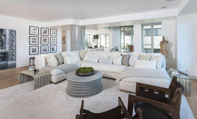 9-6-2017  Kendall Jenner has listed her L.A. high-rise apartment for .6 million. Located in the Wilshire corridor, the corner unit spans 2,068-square-feet, with 2-bed, 3-bath.  Pictured: Kendall Jenner's flat, Image: 336009685, License: Rights-managed, Restrictions: , Model Release: no, Credit line: Profimedia, Planet