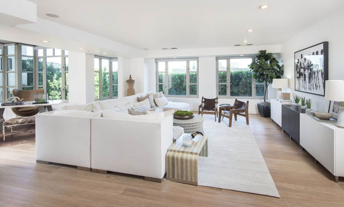 9-6-2017  Kendall Jenner has listed her L.A. high-rise apartment for .6 million. Located in the Wilshire corridor, the corner unit spans 2,068-square-feet, with 2-bed, 3-bath.  Pictured: Kendall Jenner's flat, Image: 336009711, License: Rights-managed, Restrictions: , Model Release: no, Credit line: Profimedia, Planet
