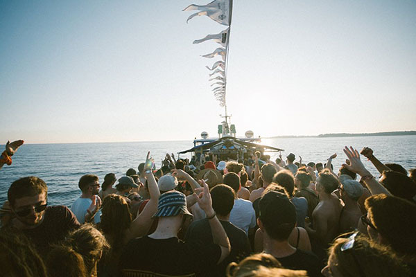 DF17boat004-0600
