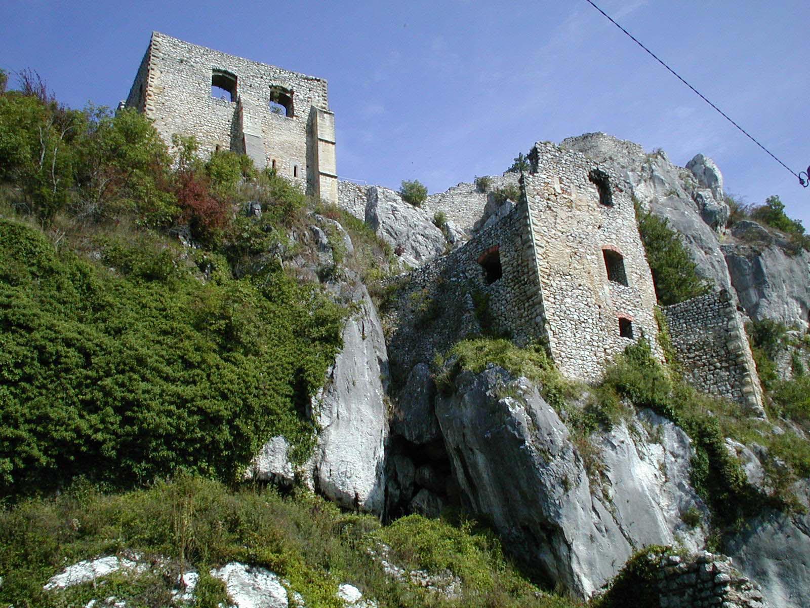 Krizevci, 090506 kz- Stari grad Kalnik, ostaci srednjovjekovnog grada utvrde kralja Bele IV foto: Stojanka Lesicki - pok 4-