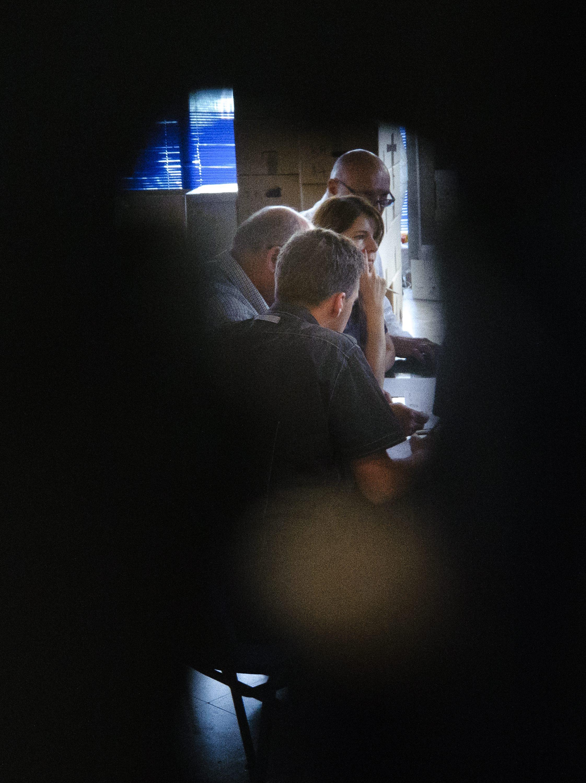 U sjedištu Gradskog izbornog povjerenstva u Gradskom kotaru Bol u tijeku je provjera nevažećih glasačkih listića kojih je u Splitu na ovim izborima bilo 9,46 posto
