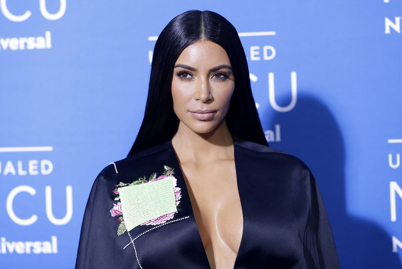 kim kardashian_00