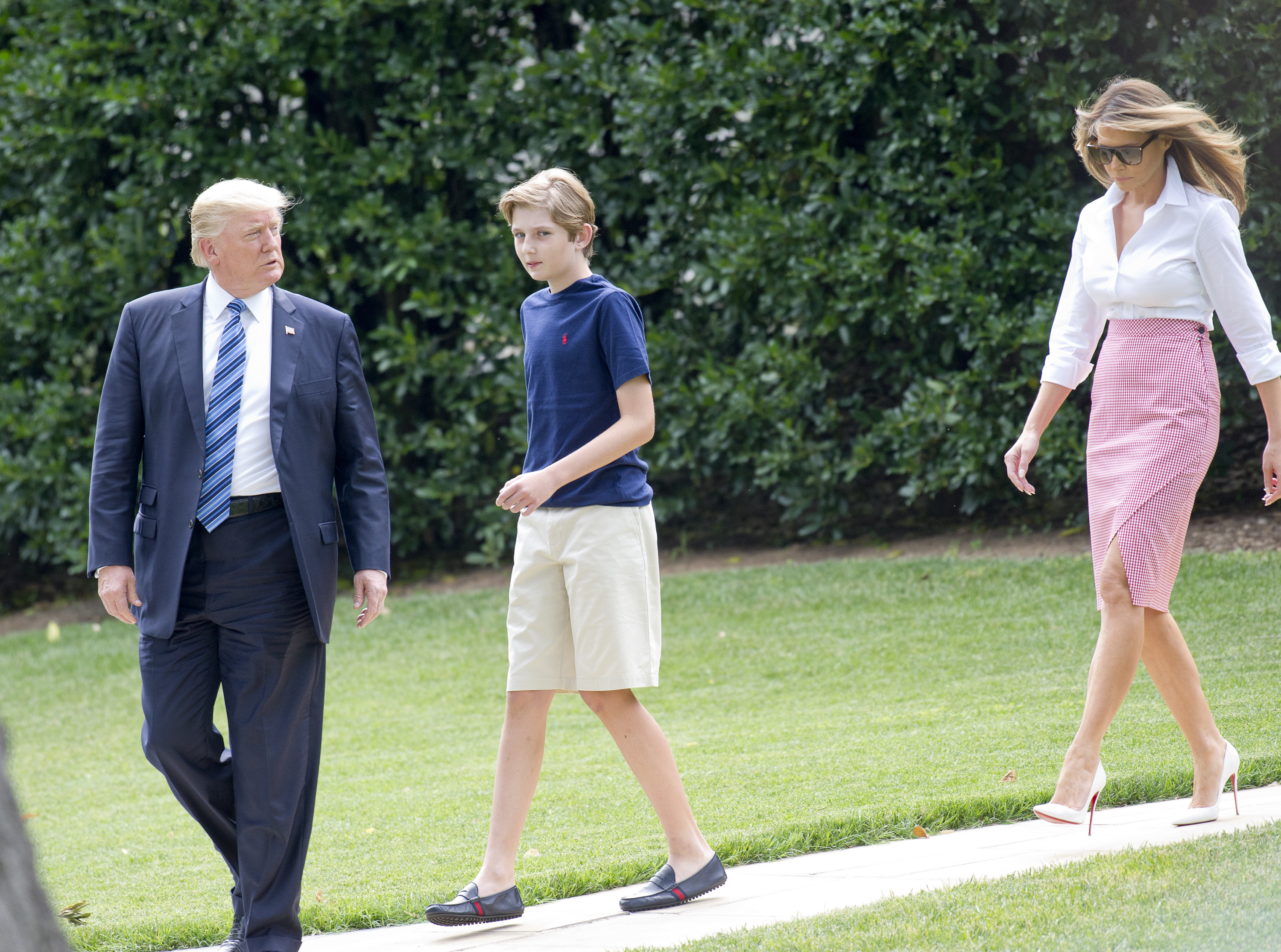 June 30, 2017 - Washington, District of Columbia, United States of America - United States President Donald J. Trump accompanied by first lady Melania Trump and son Barron depart the White House in Washington, DC for a weekend in Westminster, NJ on Friday, June 30, 2017. .Credit: Ron Sachs / CNP, Image: 339751248, License: Rights-managed, Restrictions: , Model Release: no, Credit line: Profimedia, Zuma Press - News