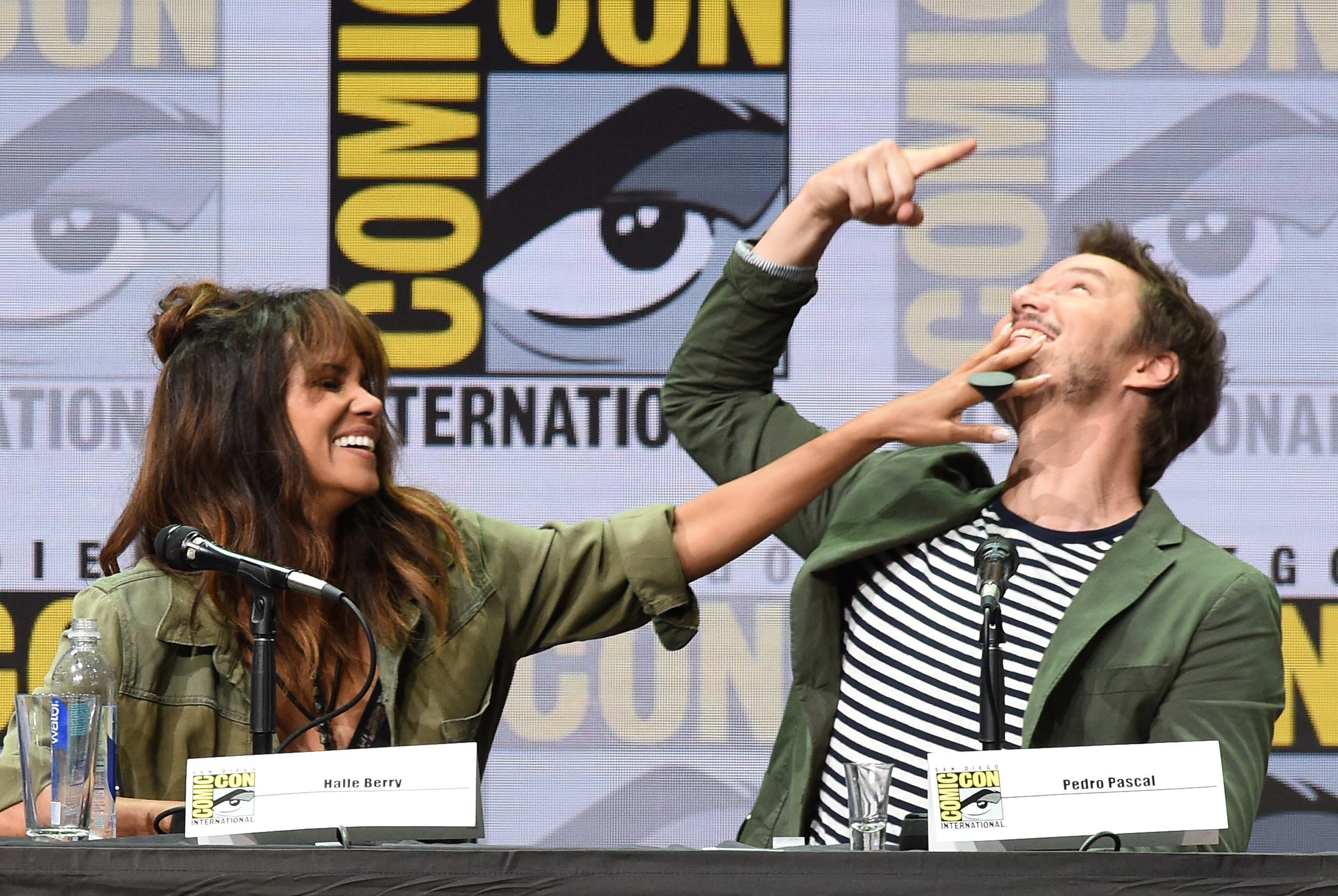 SAN DIEGO, CA - JULY 20:  Actors Halle Berry (L) and Pedro Pascal speak onstage at the 20th Century FOX panel during Comic-Con International 2017 at San Diego Convention Center on July 20, 2017 in San Diego, California.  (Photo by Kevin Winter/Getty Images)