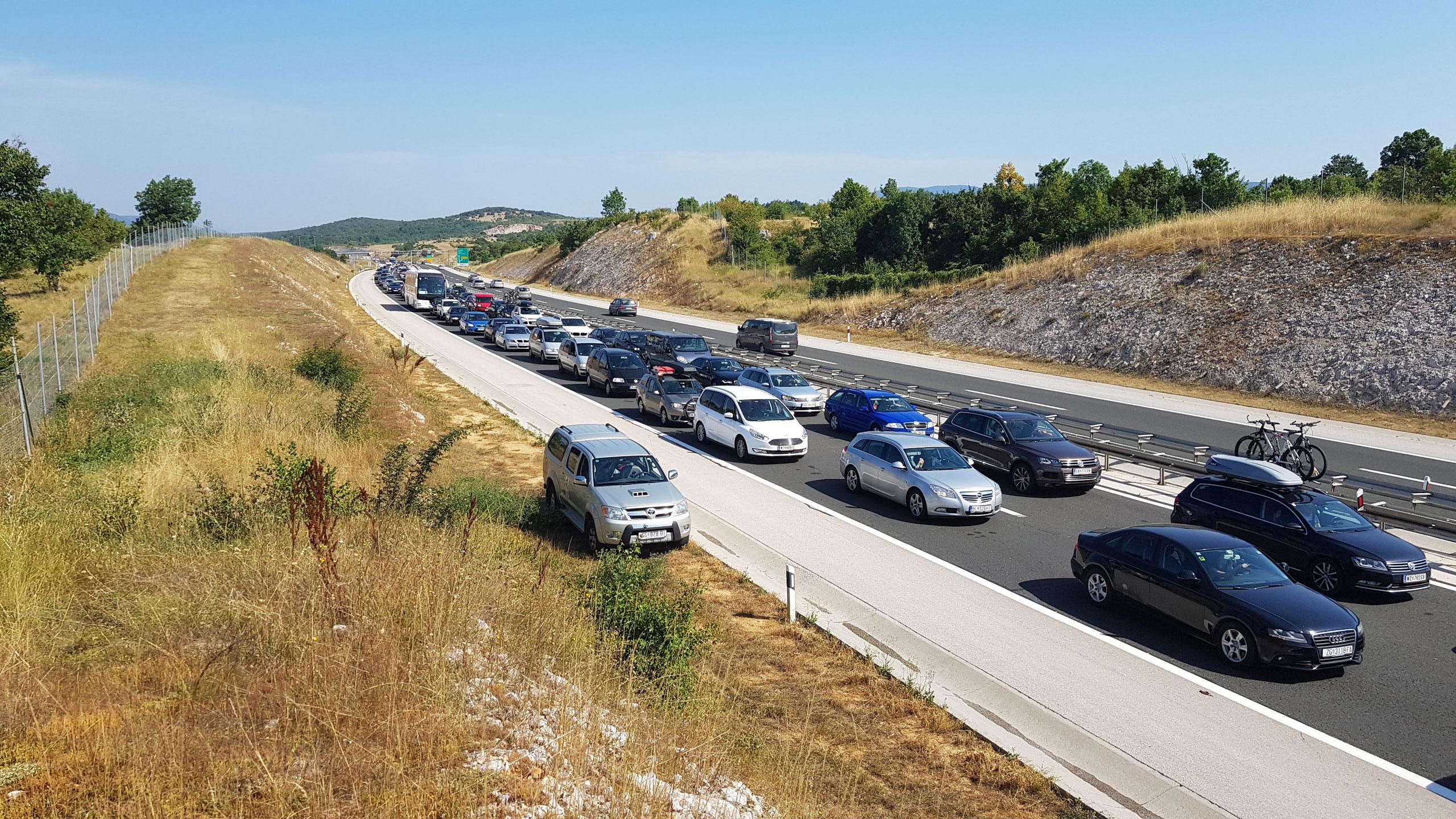 Gužva na autocesti A1, na potezu Perušić-Sv. Rok
