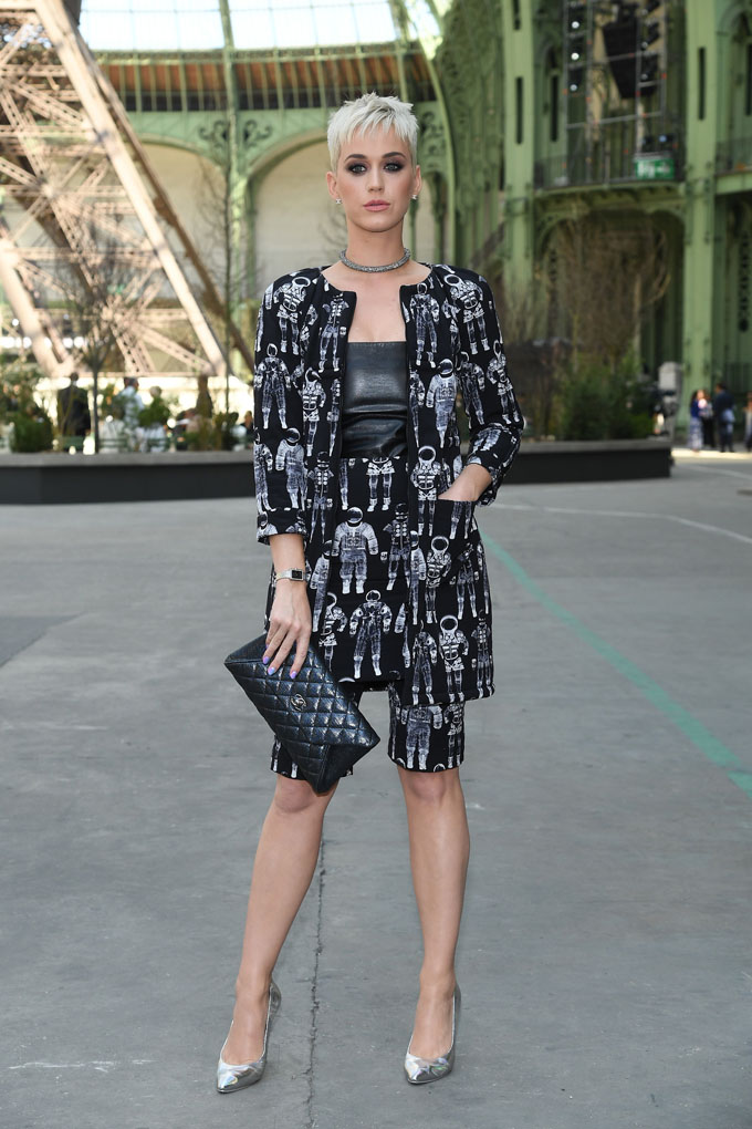 PARIS, FRANCE - JULY 04:  Katy Perry attends the Chanel Haute Couture Fall/Winter 2017-2018 show as part of Haute Couture Paris Fashion Week on July 4, 2017 in Paris, France.  (Photo by Pascal Le Segretain/Getty Images)