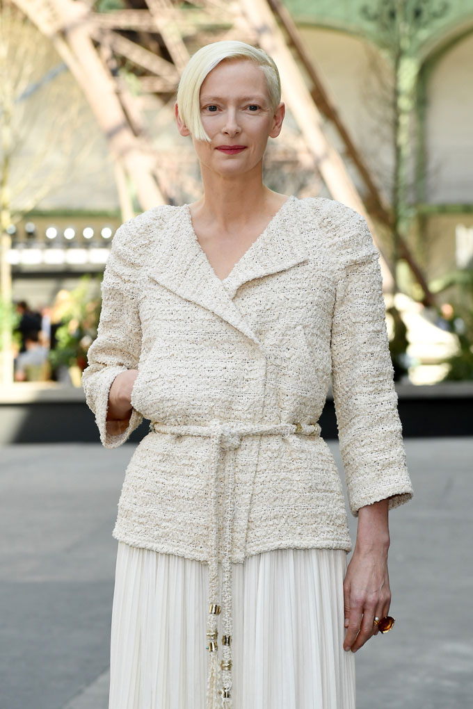 PARIS, FRANCE - JULY 04:  Tilda Swinton attends the Chanel Haute Couture Fall/Winter 2017-2018 show as part of Haute Couture Paris Fashion Week on July 4, 2017 in Paris, France.  (Photo by Pascal Le Segretain/Getty Images)