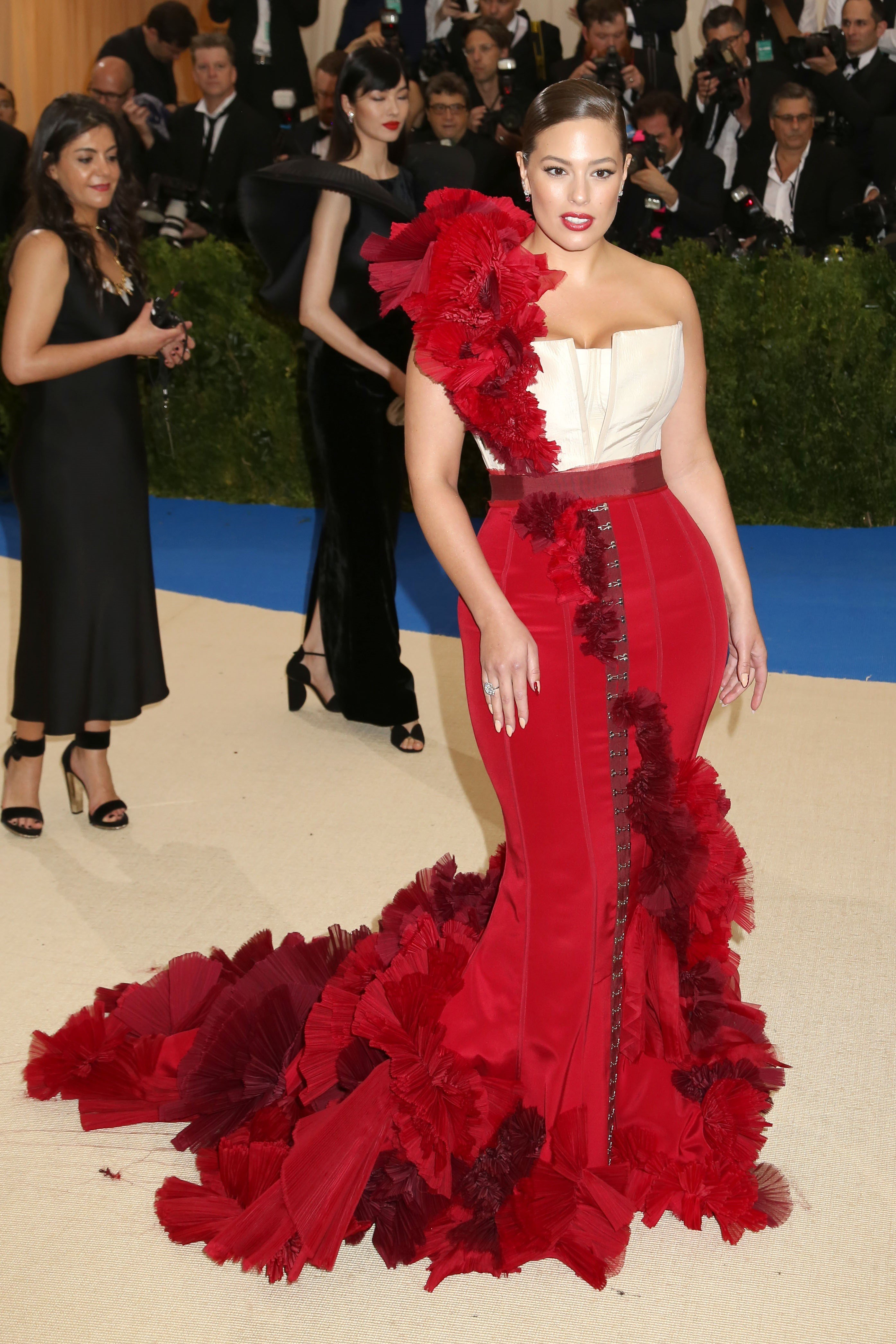 New York, NY  - The 2017 Costume Institute Benefit Rei Kawakubo/Comme des Garcons: Art of the In-Between held at the Metropolitan Museum of Art in NYC.  Pictured: Ashley Graham  Backgrid USA 1 MAY 2017, Image: 330944070, License: Rights-managed, Restrictions: , Model Release: no, Credit line: Profimedia, AKM-GSI