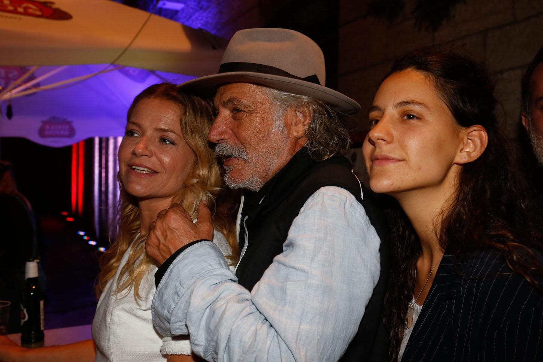 Glumac Rade Šerbedžija s kćerima Lucijom, također glumicom, i Milicom koja se okrenula glazbi