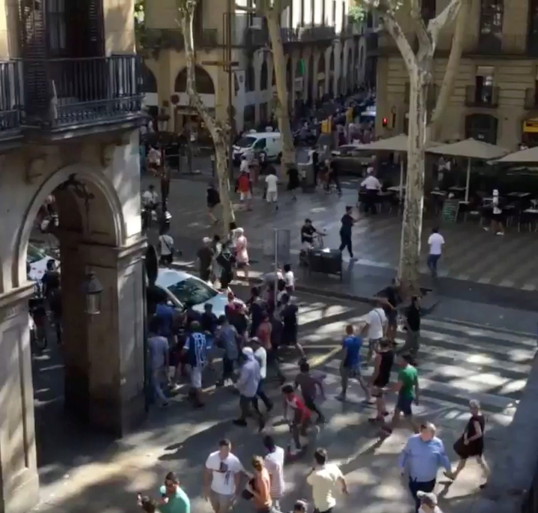 2017-08-17T164707Z_1461727719_RC151B2D26C0_RTRMADP_3_SPAIN-BARCELONA