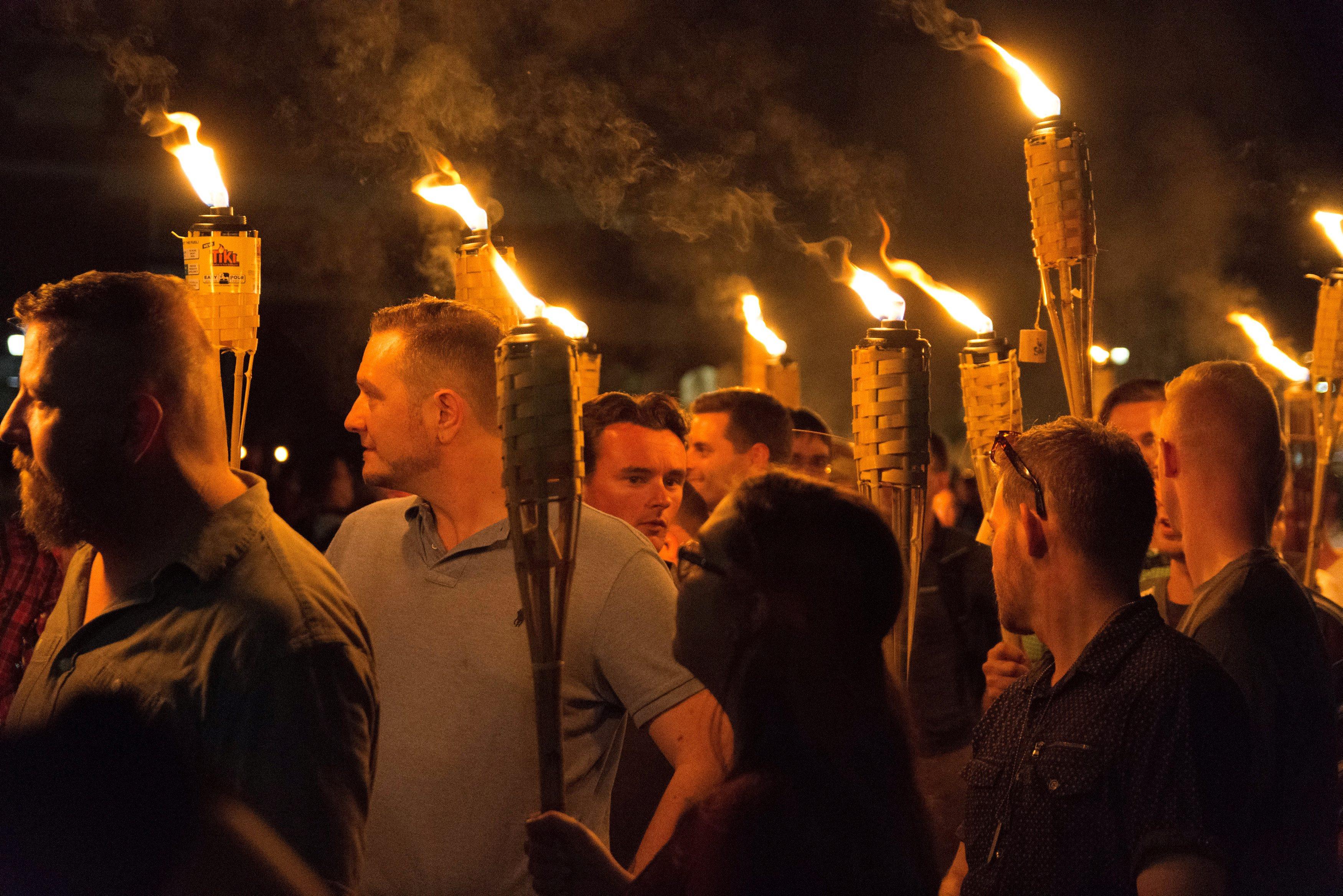 2017-08-12T050350Z_274954310_RC1DE6661DD0_RTRMADP_3_VIRGINIA-PROTESTS