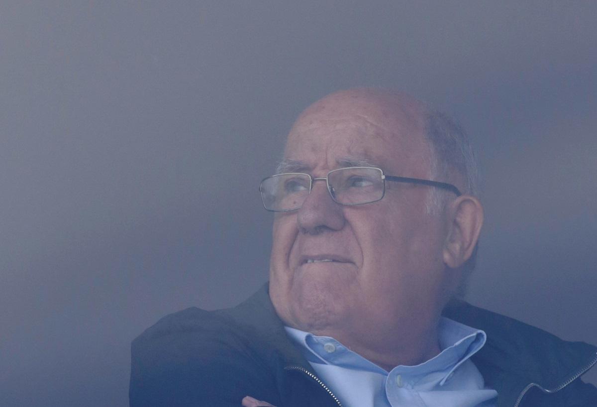 Vlasnik Zare Amancio Ortega rijetko je viđen u javnosti, a ovdje je gledao međunarodno natjecanje u paradnim skokovima