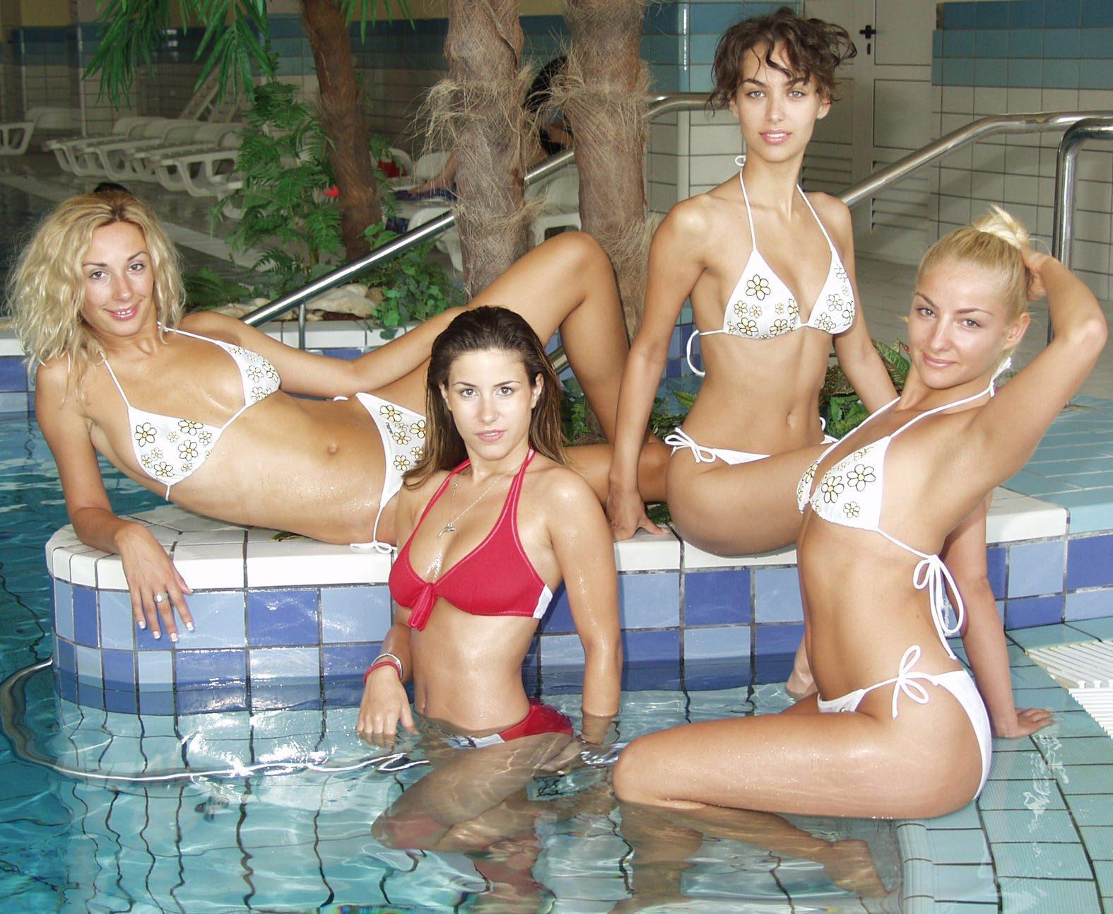 Tatjana Jurić s kolegicama iz 'Vruće patrole' u Zadru 2003. godine