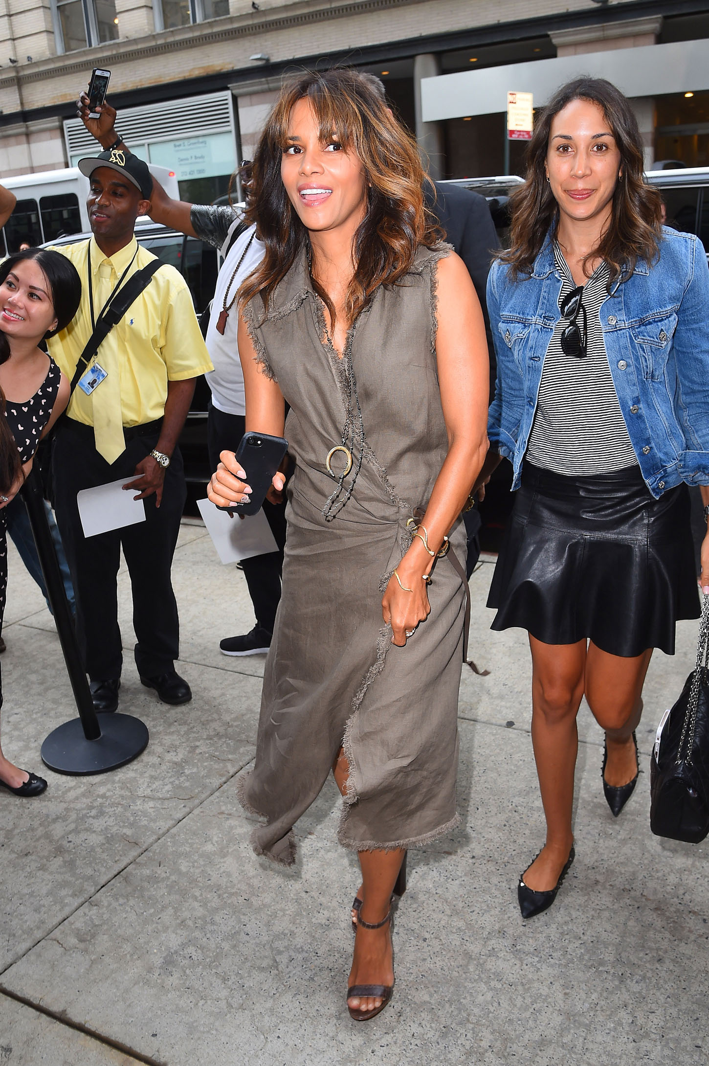 Halle Berry out in Midtown NYC <P> Pictured: Halle Berry <B>Ref: SPL1549042  020817  </B><BR/> Picture by: NPEx / Splash News<BR/> </P><P> <B>Splash News and Pictures</B><BR/> Los Angeles:310-821-2666<BR/> New York:212-619-2666<BR/> London:870-934-2666<BR/> <span id=