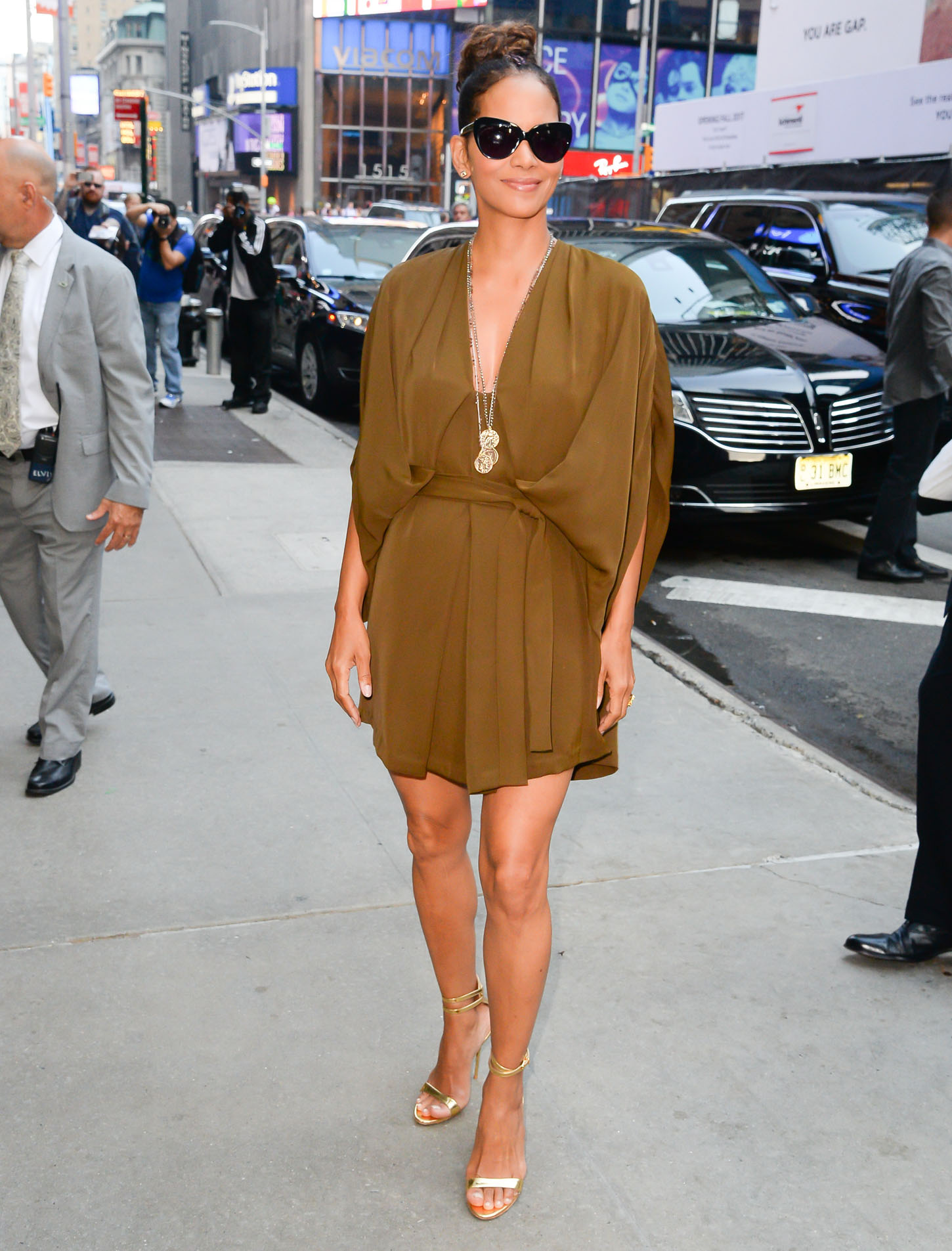 Halle Berry is spotted outside the Good Morning America Studios in New York City, NY, USA. Actress was wearing a gold dress. <P> Pictured: Halle Berry <B>Ref: SPL1549822  030817  </B><BR/> Picture by: H&H JDHIMAGEZ.COM / Splash News<BR/> </P><P> <B>Splash News and Pictures</B><BR/> Los Angeles:	310-821-2666<BR/> New York:	212-619-2666<BR/> London:	870-934-2666<BR/> <span id=