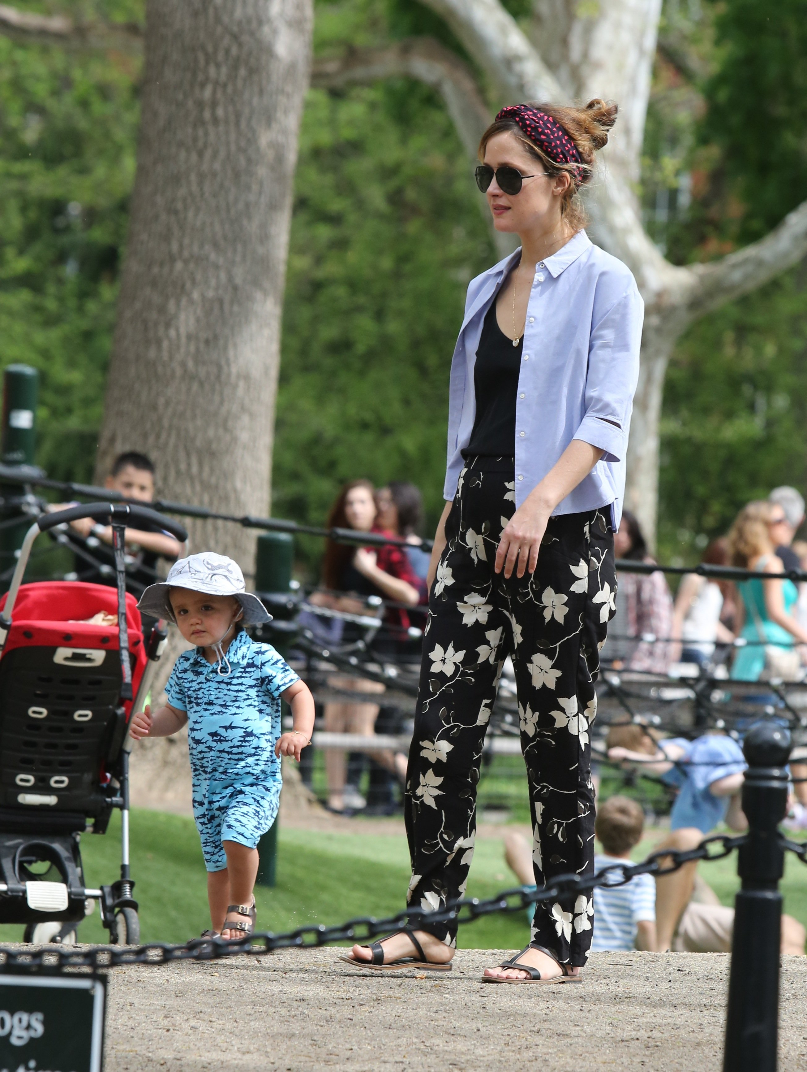 -New York, NY - 04/29/17 Rose Byrne and son Rocco Cannavale playing in the park with a friend   -PICTURED: Rose Byrne, Rocco Cannavale -, Image: 330630405, License: Rights-managed, Restrictions: , Model Release: no, Credit line: Profimedia, INSTAR Images