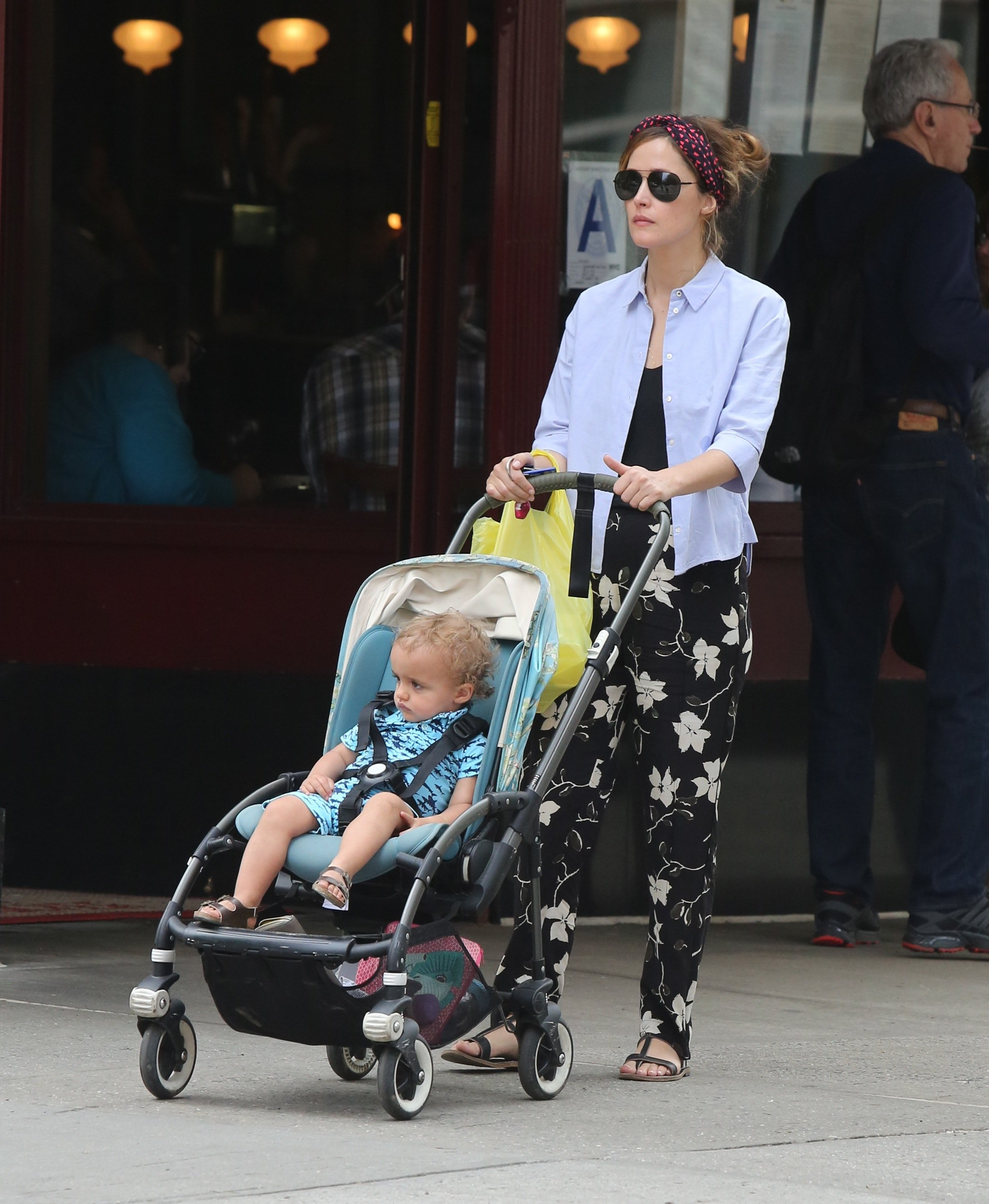 -New York, NY - 04/29/17 Rose Byrne and son Rocco Cannavale playing in the park with a friend   -PICTURED: Rose Byrne, Rocco Cannavale -, Image: 330630466, License: Rights-managed, Restrictions: , Model Release: no, Credit line: Profimedia, INSTAR Images
