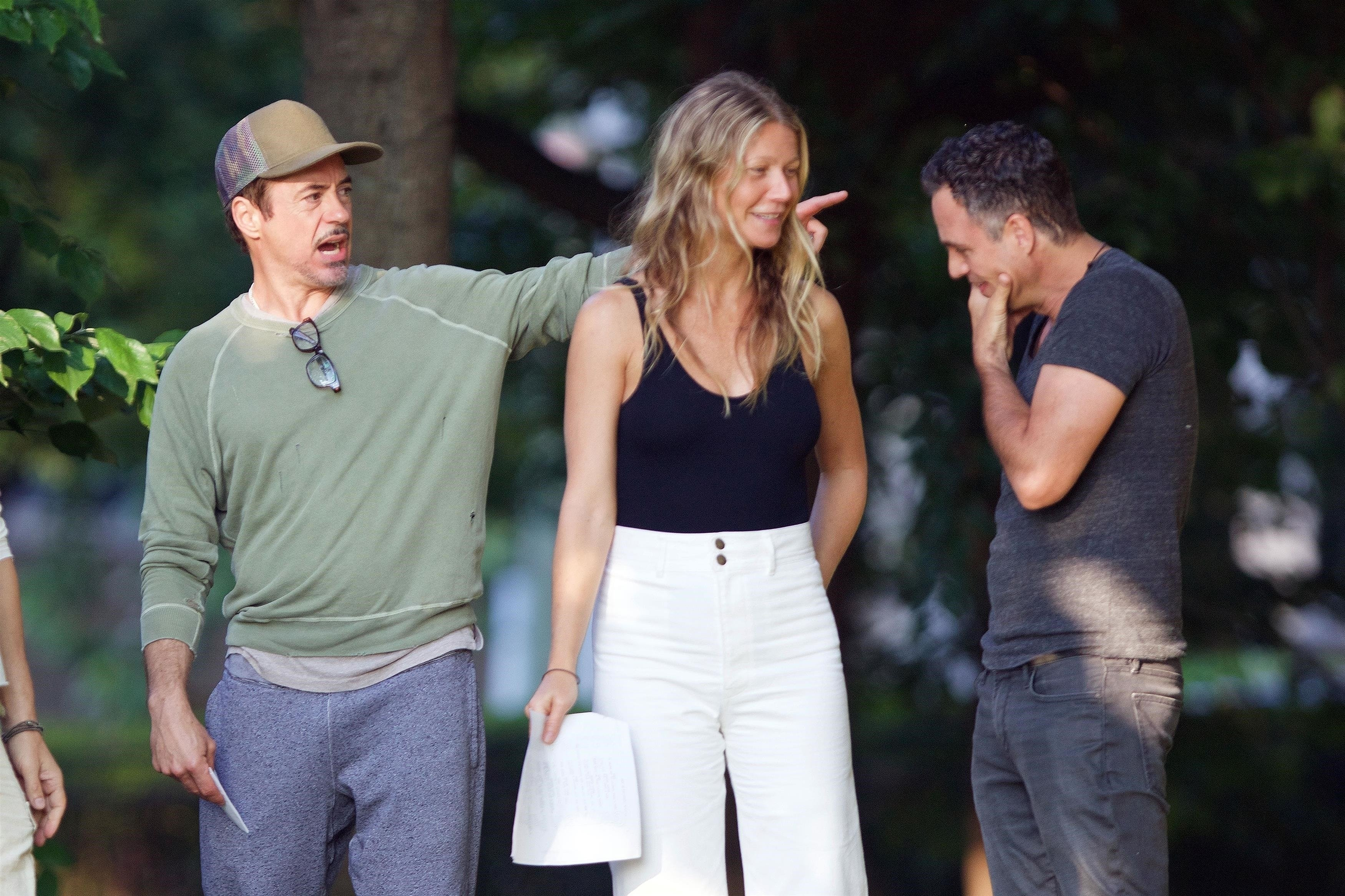 *EXCLUSIVE* Fayetteville, GA  - *WEB MUST CALL FOR PRICING* Actors Robert Downey Jr., Gwyneth Paltrow, Mark Ruffalo, Jon Favreau and directors Anthony and Joe Russo are spotted rehearsing scenes in Fayetteville, Georgia for 'Avengers 4'.  Pictured: Robert Downey Jr., Gwyneth Paltrow, Mark Ruffalo  BACKGRID USA 22 AUGUST 2017   USA: +1 310 798 9111 / usasales@backgrid.com  UK: +44 208 344 2007 / uksales@backgrid.com  *UK Clients - Pictures Containing Children Please Pixelate Face Prior To Publication*, Image: 346196922, License: Rights-managed, Restrictions: , Model Release: no, Credit line: Profimedia, AKM-GSI
