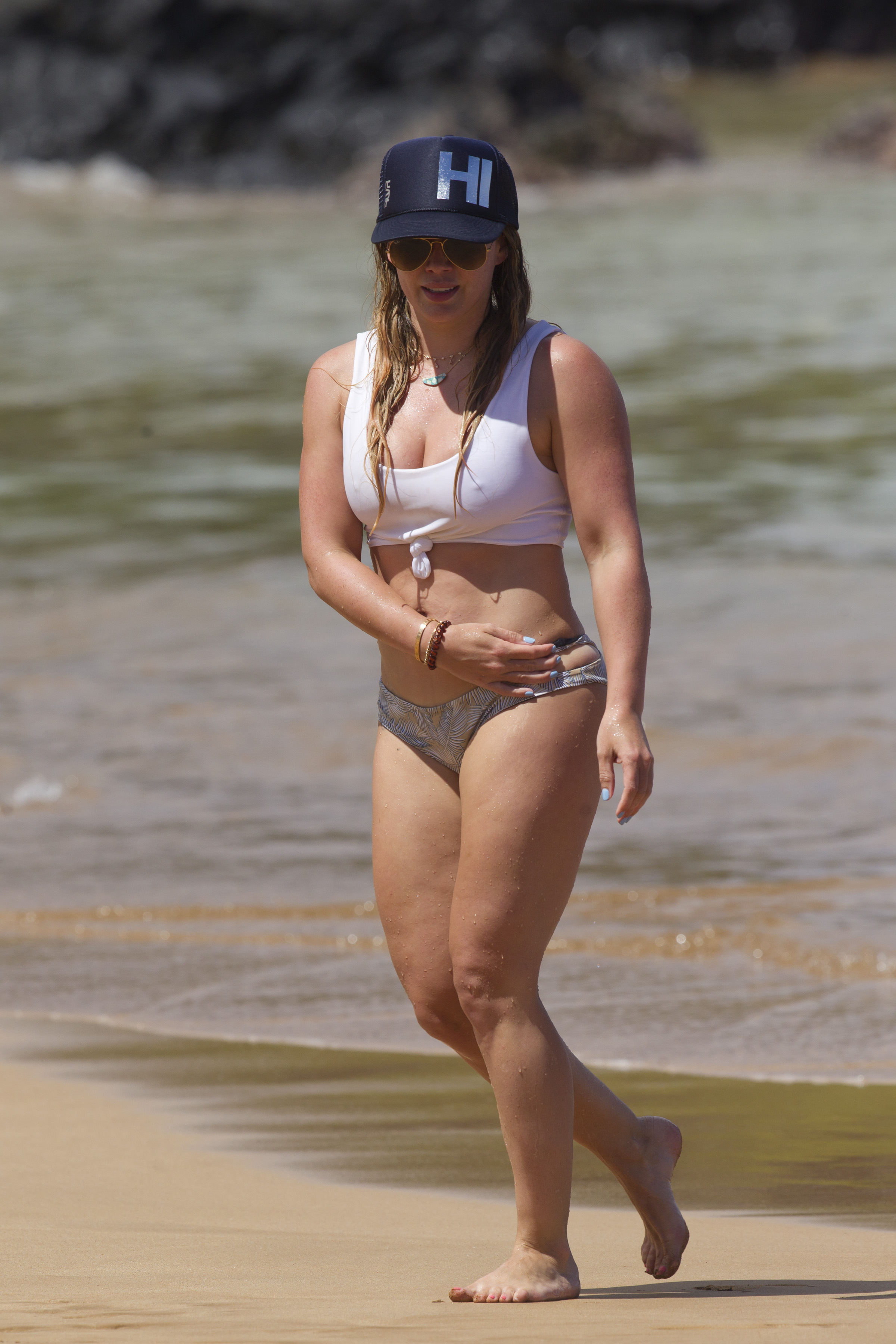 Hilary Duff seen wearing a 2 piece bikini for a change on her Maui vacation. She went snorkeling with her son and a friend. <P> Pictured: Hilary Duff <B>Ref: SPL1550452  040817  </B><BR/> Picture by: starsurf / Splash News<BR/> </P><P> <B>Splash News and Pictures</B><BR/> Los Angeles:310-821-2666<BR/> New York:212-619-2666<BR/> London:870-934-2666<BR/> <span id=