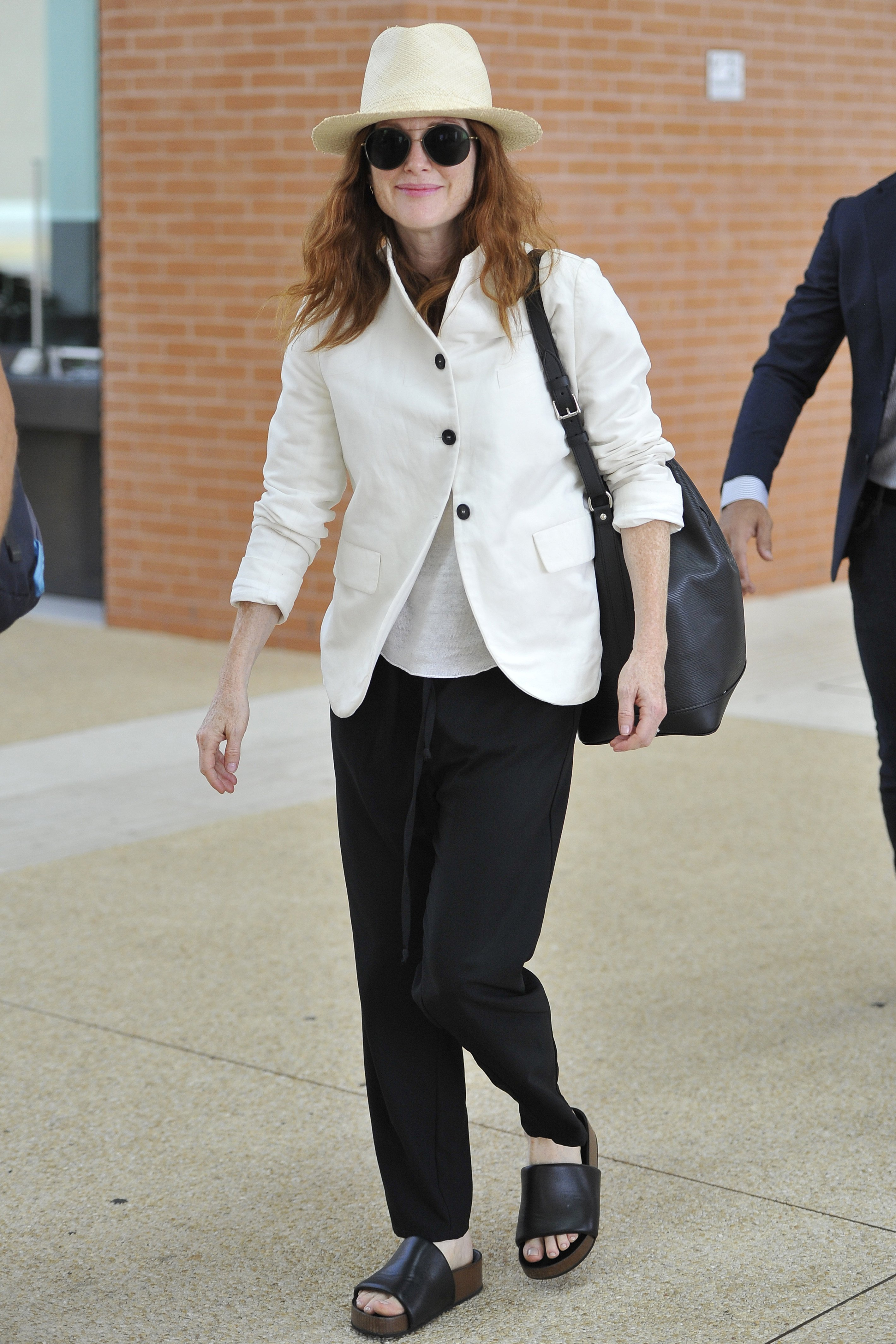 Julianne Moore    74nd Venice Film Festival Julianne Moore airport Venice Italy 31-08-2017, Image: 347815095, License: Rights-managed, Restrictions: , Model Release: no, Credit line: Profimedia, SGP