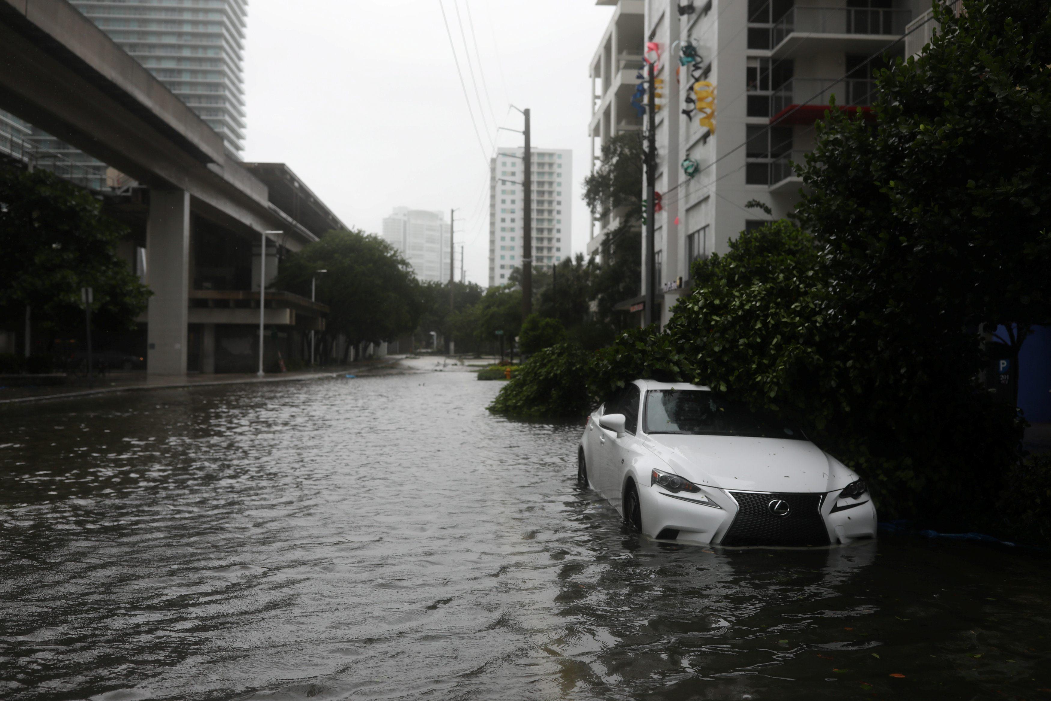 Flooding in the Brickell neighborhood as Hurricane Irma passes Miami, Florida, U.S. September 10, 2017. REUTERS/Stephen Yang