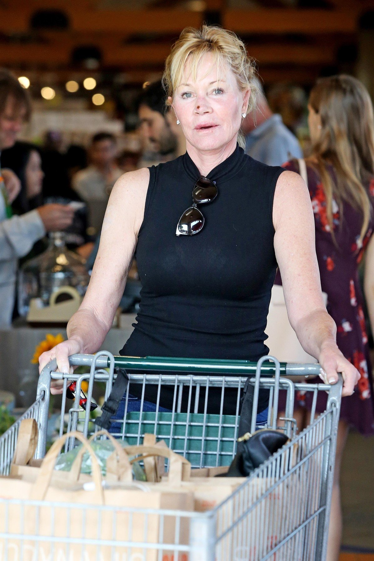 West Hollywood, CA  - *EXCLUSIVE* Melanie Griffith gets camera shy as she steps out for groceries at Bristol Farms with messy hair and no make up revealing a scab on her nose.  Pictured: Melanie Griffith  BACKGRID USA 8 SEPTEMBER 2017, Image: 348810694, License: Rights-managed, Restrictions: , Model Release: no, Credit line: Profimedia, AKM-GSI