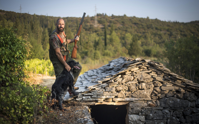 SPECIAL DOBRA HRANA                                                                         Korcula, 220817. Udruga lovaca Kamenjarka, lov na divljac na otoku Korculi. Na fotografiji: Jadran Jaricevic. Foto: Ante Cizmic / CROPIX
