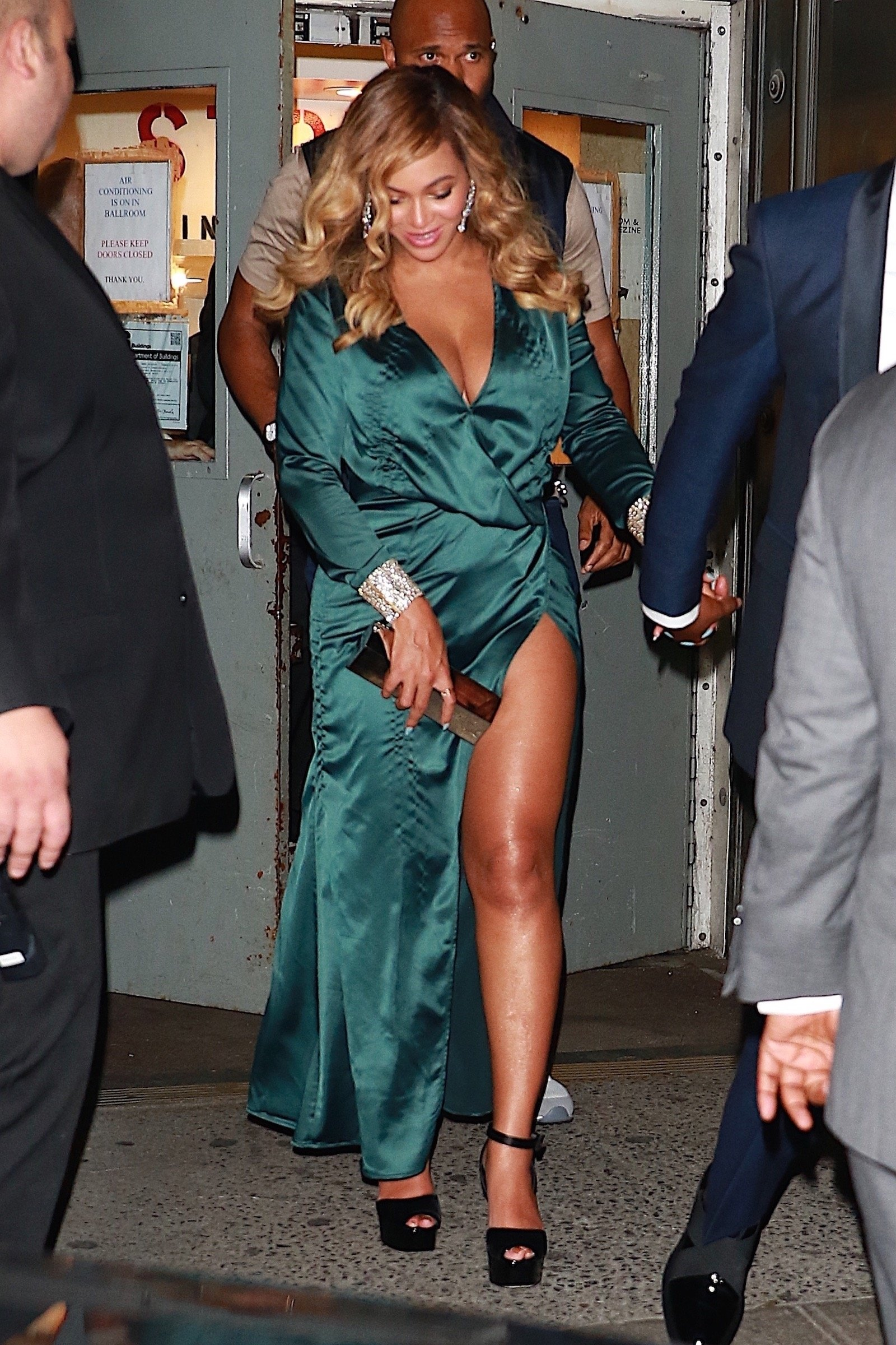 New York, NY  - Jay-Z and Beyonce leave Rihanna's 3rd Annual Diamond Ball Benefitting The Clara Lionel Foundation at Cipriani Wall Street.  Pictured: Beyonce, Jay-Z  BACKGRID USA 14 SEPTEMBER 2017, Image: 349416278, License: Rights-managed, Restrictions: , Model Release: no, Credit line: Profimedia, AKM-GSI
