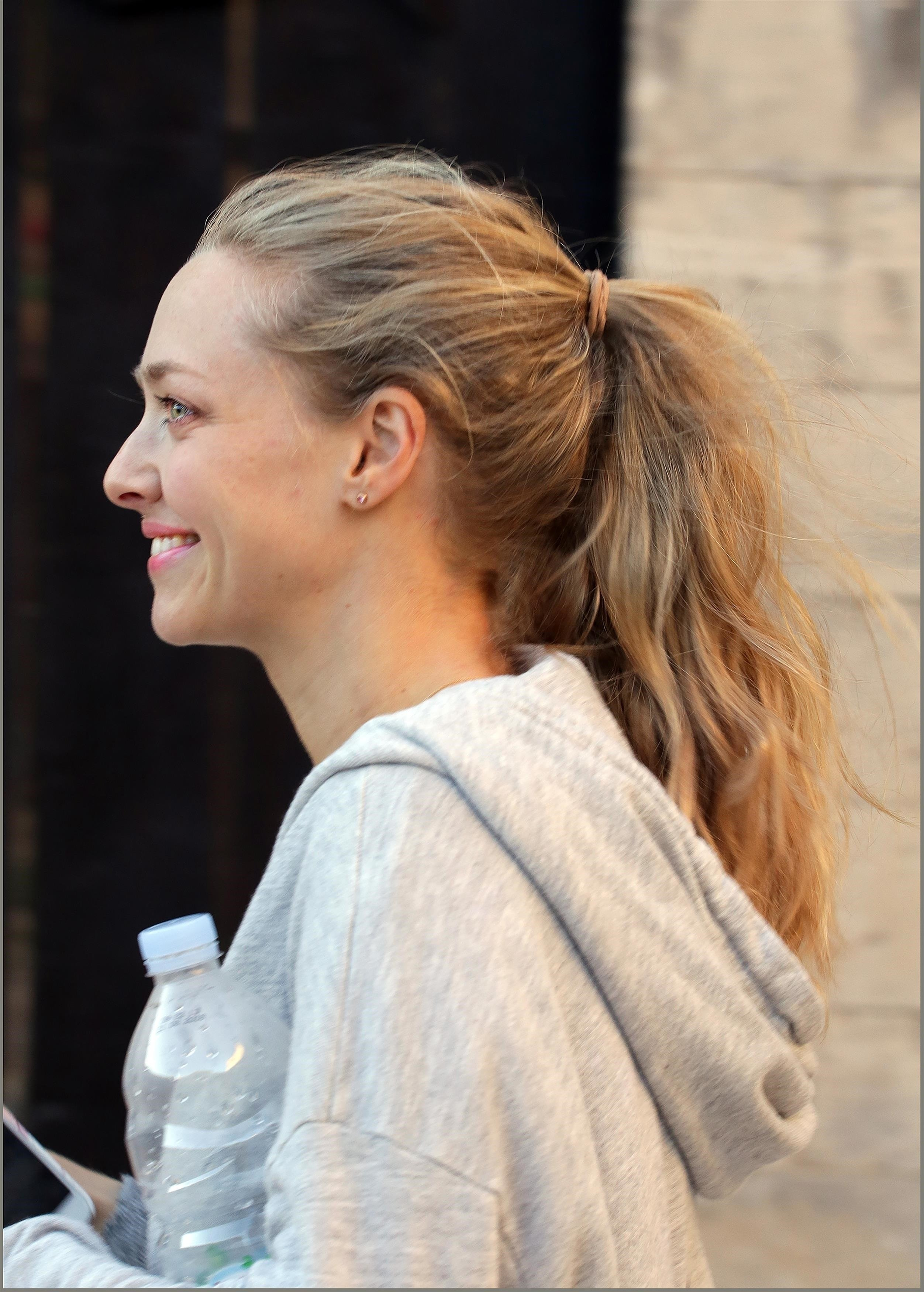 Fort George, CROATIA  - *EXCLUSIVE*  - Amanda Seyfried dresses down and goes makeup free to visit a tourist attraction where she is filming the new Mama Mia! sequel. Amanda, 31, left her six-month-old baby daughter with husband Thomas Sadoski to take a walk to Fort George on the island of Vis, Croatia. Amanda is shooting scenes for the new movie, Mama Mia: Here We Go Again! on the island. Amanda and her family are staying in a rented home on the island during filming.  Pictured: Amanda Seyfried  BACKGRID USA 21 SEPTEMBER 2017   USA: +1 310 798 9111 / usasales@backgrid.com  UK: +44 208 344 2007 / uksales@backgrid.com  *UK Clients - Pictures Containing Children Please Pixelate Face Prior To Publication*, Image: 350112019, License: Rights-managed, Restrictions: , Model Release: no, Credit line: Profimedia, AKM-GSI