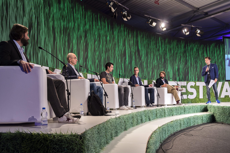 Boris Drilo, Nenad Bakić, Mate Rimac, Marko Matijević, Boris Jokić i moderator Nino Đula