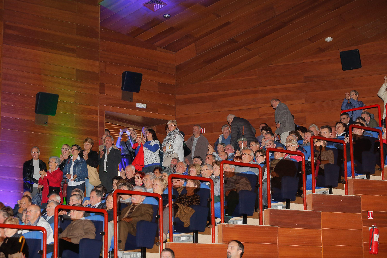 Pazin, 250917. U Spomen donu u centru Pazina odrzana je proslava Dana zupanije i 70. godisnjica od pariske mirovne konvencije. Polozeni su vijenci na spomenik u Parku narodnog ustanka. Skupu je prisustvovala predsjednica Kolinda Grabar Kitarovic i ministar Oleg Butkovic. Na fotografiji: borci. Foto: Goran Sebelic / CROPIX