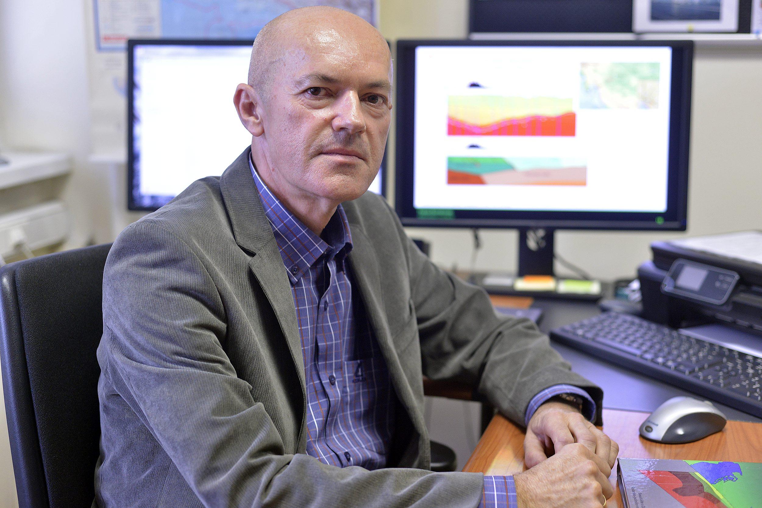 Zagreb, 250917. Prof. Franjo Sumanovac sa Rudarsko-geolosko-naftnog fakulteta. Foto: Bruno Konjevic / CROPIX