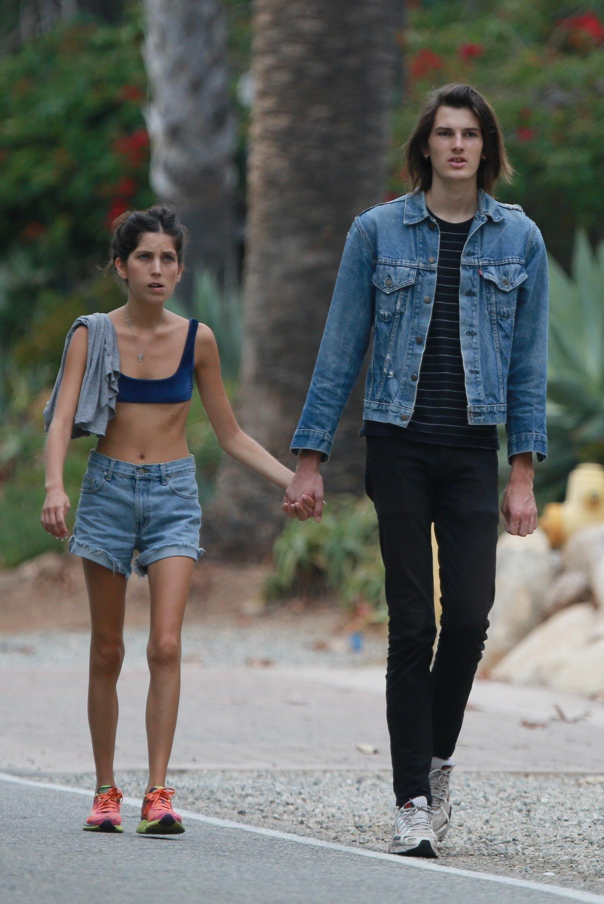 169729, EXCLUSIVE: Pierce Brosnan's son Dylan takes a romantic stroll with his girlfriend in Malibu. Los Angeles, California - Monday September 4, 2017., Image: 348387953, License: Rights-managed, Restrictions: , Model Release: no, Credit line: Profimedia, Pacific coast news