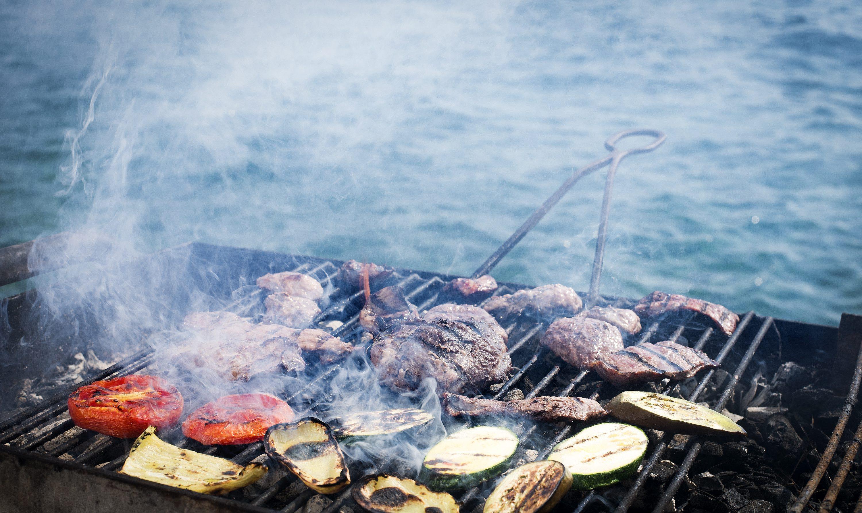 SPECIAL DOBRA HRANA                                                                         Korcula, 220817. Lov na divljac na otoku Korculi. Na fotografiji: vepric na gradela. Foto: Ante Cizmic / CROPIX