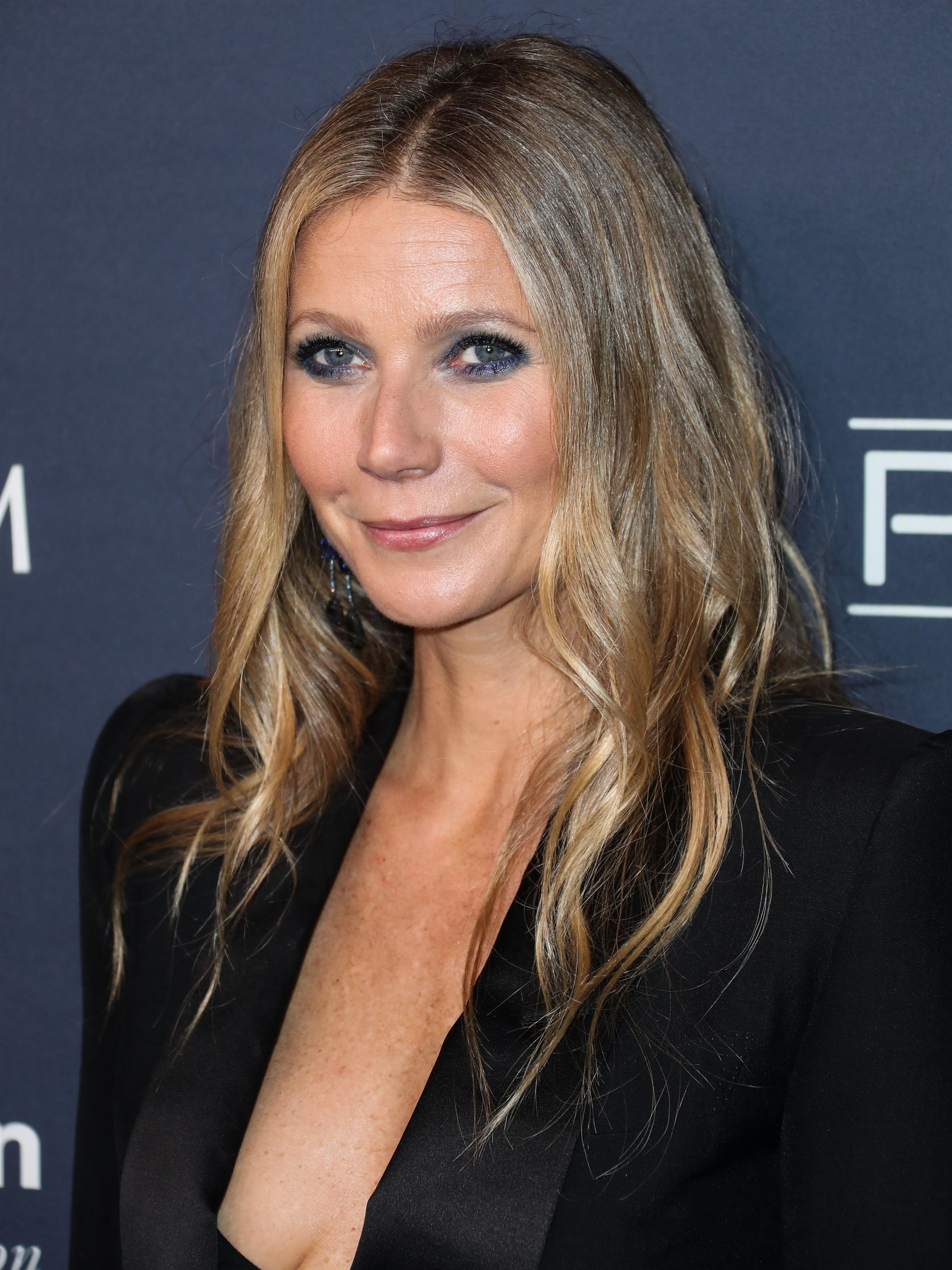 Culver City, CA  - Gwyneth Paltrow wearing Tom Ford with Irene Neuwirth jewelry arrives at the 2017 Baby2Baby Gala held at 3LABS.  Pictured: Gwyneth Paltrow  BACKGRID USA 11 NOVEMBER 2017, Image: 355180554, License: Rights-managed, Restrictions: , Model Release: no, Credit line: Profimedia, AKM-GSI
