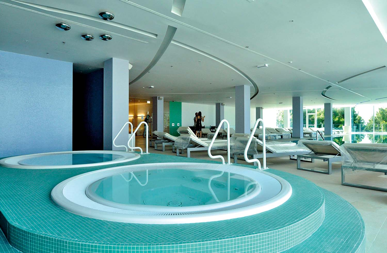Split, 20810. Radisson blu, hotel Split uskoro otvara vrata i prima prve goste. Foto : Jadran Babic / CROPIX