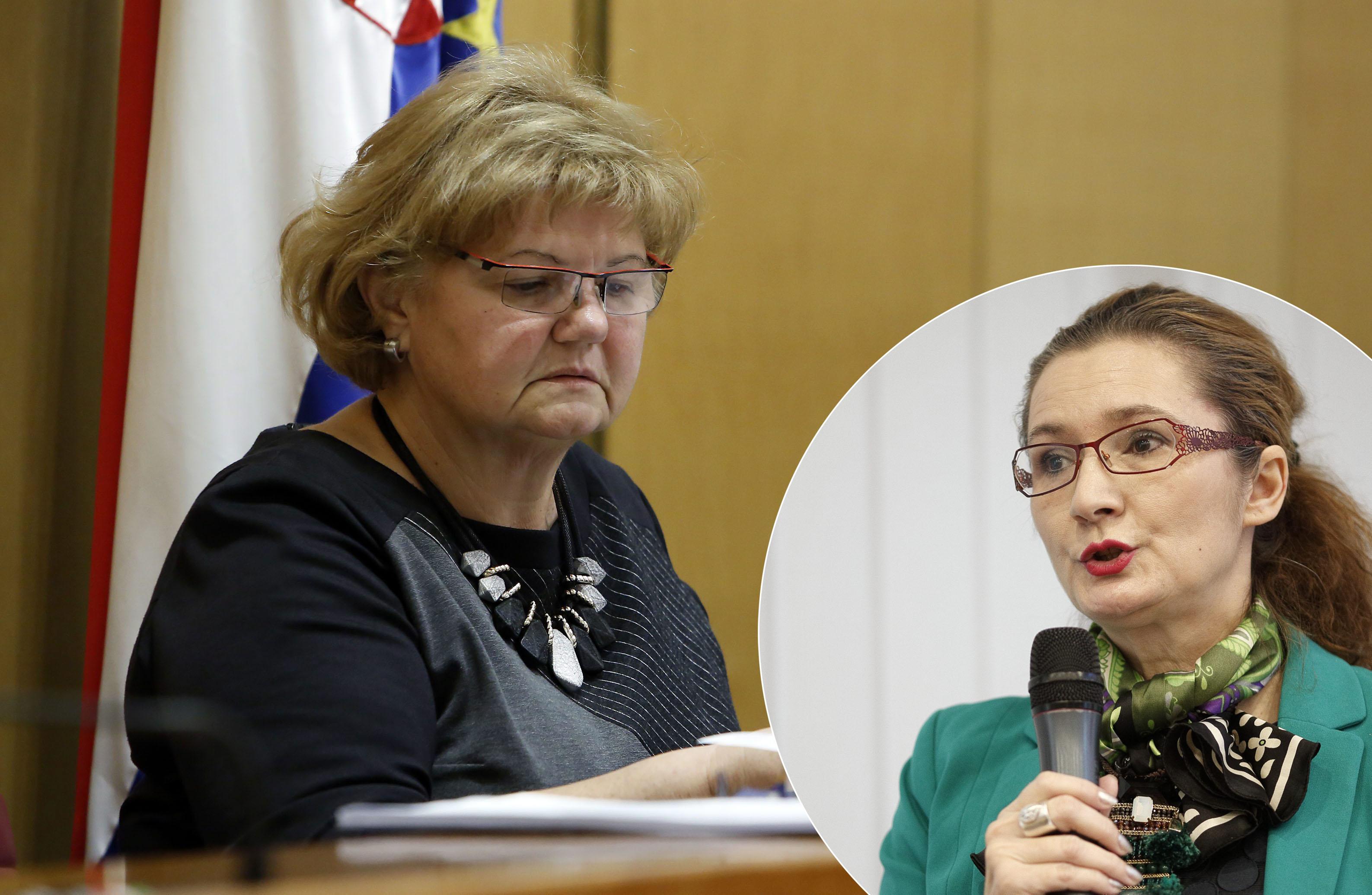 Nada Murganić i Višnja Ljubičić (u krugu)